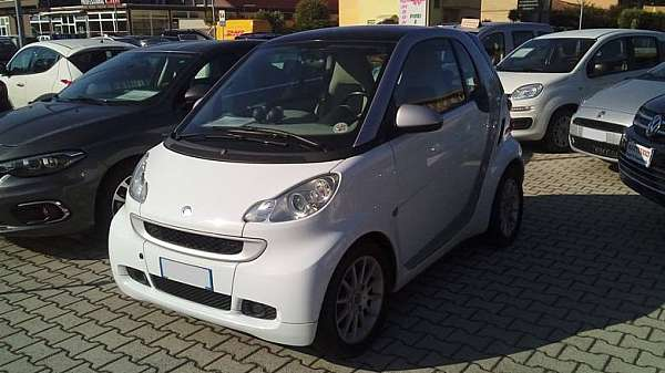 SMART fortwo 800 40 kW coupé passion cdi